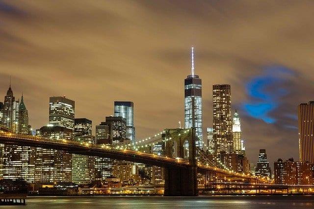 Brooklyn Bridge and buildings at night